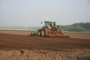 tractor_windmills
